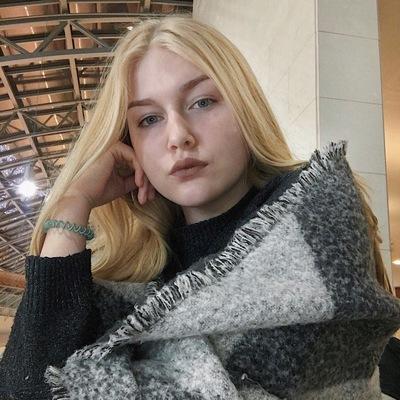 Мария Коренькова