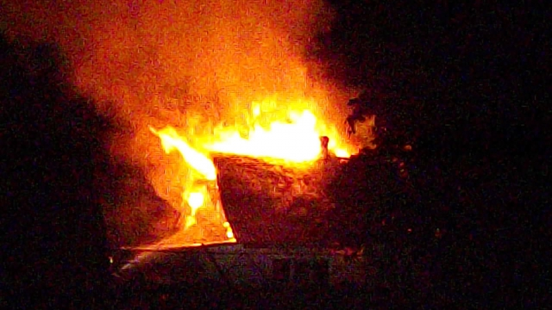На перекресте ул Пушкина и 17 Сентября горела крыша дома люди все живы Слава Богу