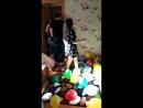 Брат поздравляет сестренку с днем рождением!