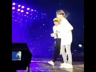 34 seconds of taehyung imitating yoongi with shooky song playing in the back