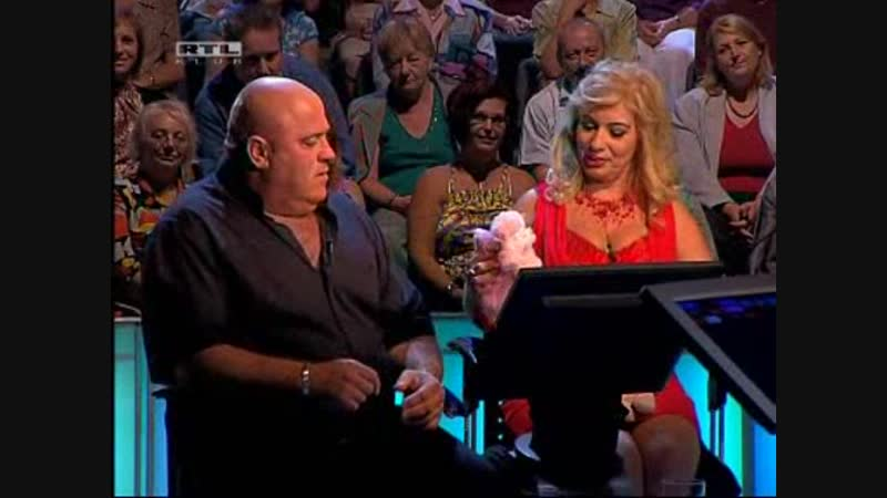 Legyen Ön is milliomos (15.10.2009) Donatellácska egy rózsaszín pudlival lepte meg Árpit