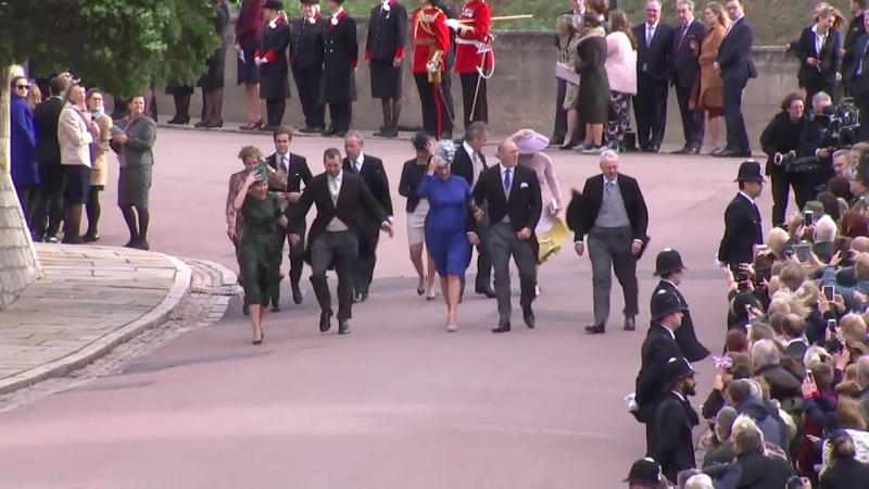 Члены королевской семьи прибывают в часовню 12.10.2018