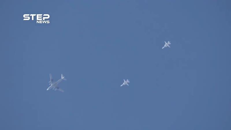 СУ 24 и ИЛ 76 ВКС РФ над провинцией Хама Сирия