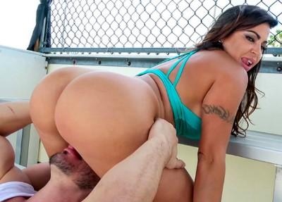 Julianna Vega Loves to Fuck in Public