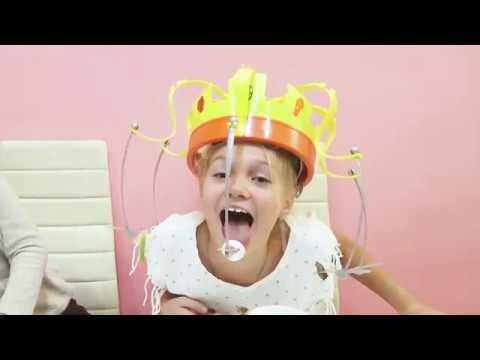 👑 Сумасшедшая КОРОНА - Челлендж 2018 / Смешное видео для детей 👑 Популярный блогер ЮНИКА