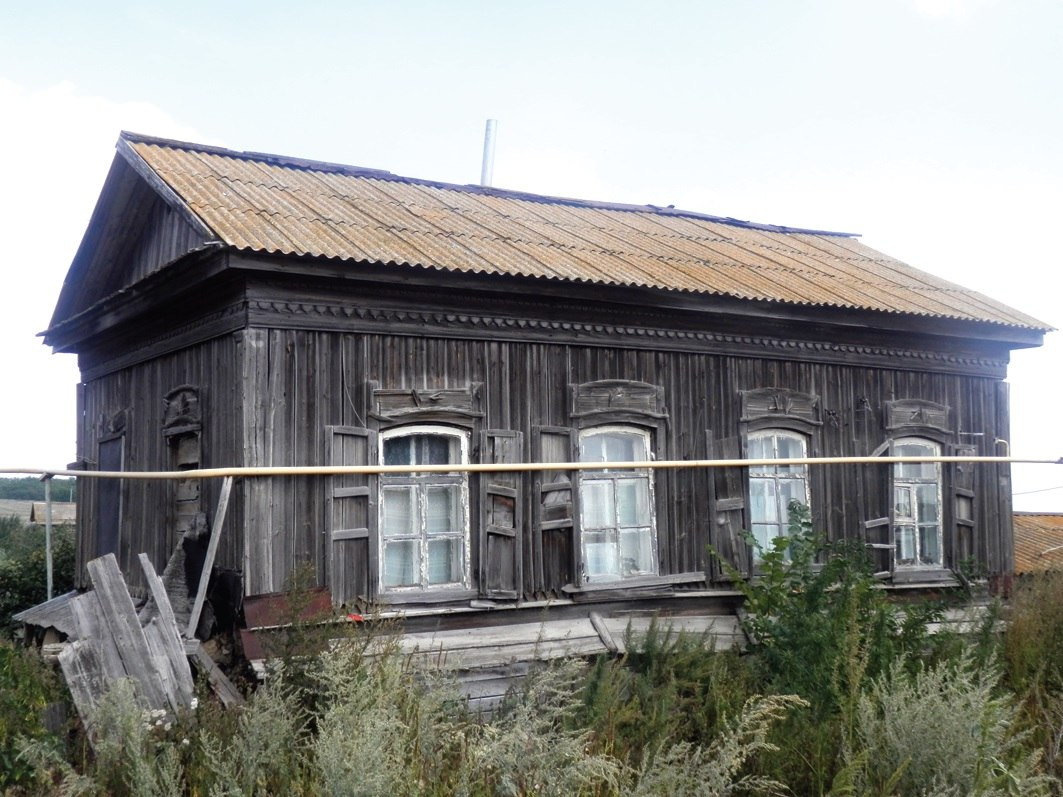 Один из самых старейших домов в селе Старая  Топовка