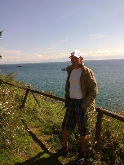 Олег Легаев, id132348820