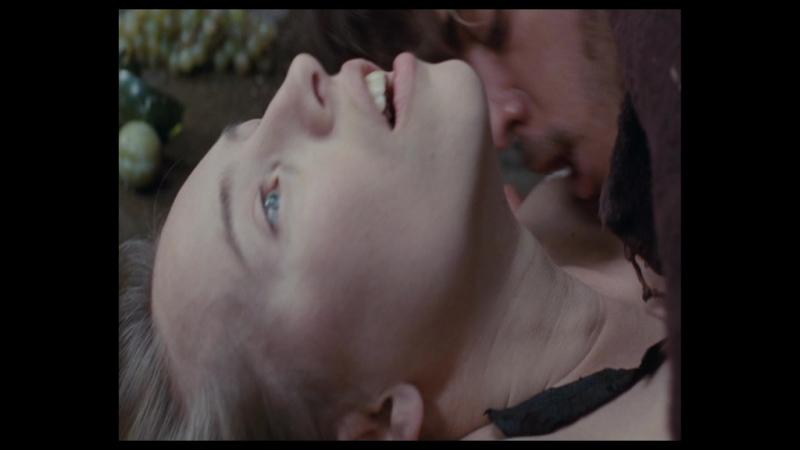 сексуальное насилие(изнасилование,rape) из фильма Au fond des bois (2010) » Freewka.com - Смотреть онлайн в хорощем качестве