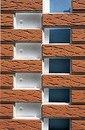 Термопанели на основе пенополистирола ППС имеют соединение шип-паз и устанавливаются на фасад в любое время года...