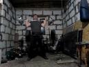 Заброс на грудь и швунг штанги 87 кг .(6 повторов). Свой вес 89 кг.