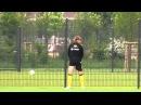 Marcel Schmelzer beim Wasserlassen im BVB-Training