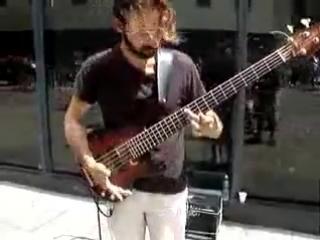 Красивое соло на бас-гитаре