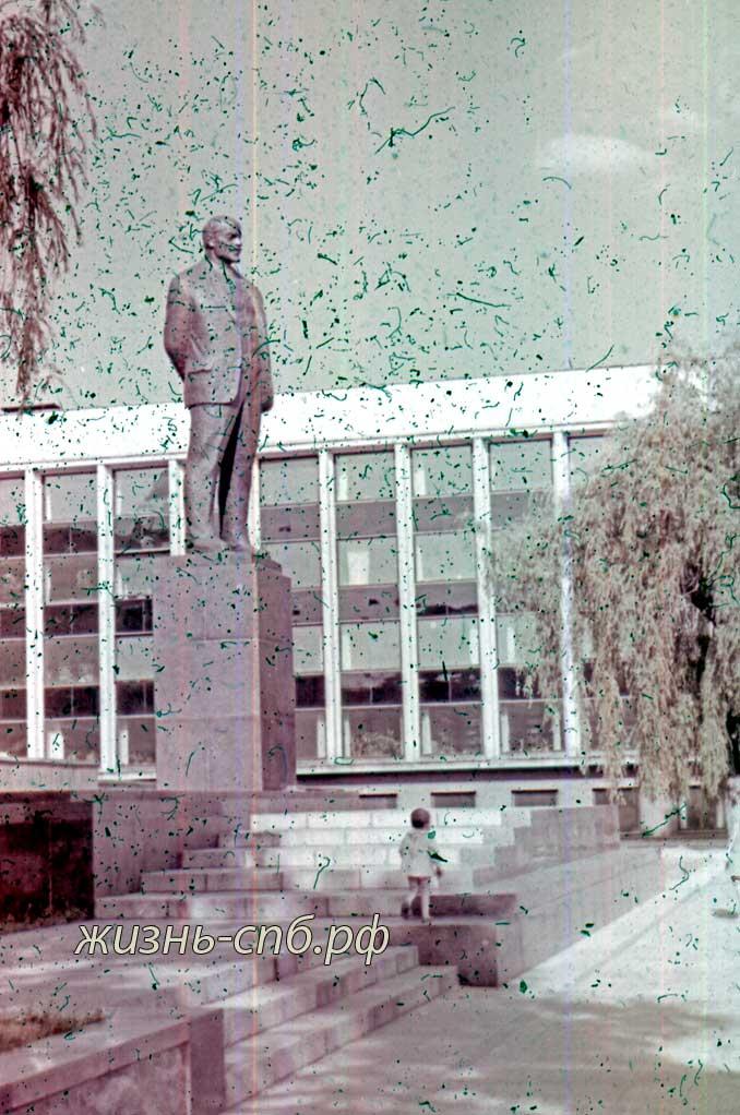 Каунас. Памятник В.И. Ленину.