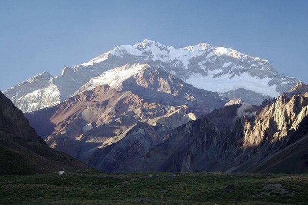 Самая длинная горная цепь - Анды, которые растянулись почти на 6400 километров н...