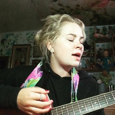 """Sayyouta on Instagram: """"я раньше и не думал что у нас на двоих одно дыхание . . . cover кавер uke russia россия музыка music наутилуспомп..."""