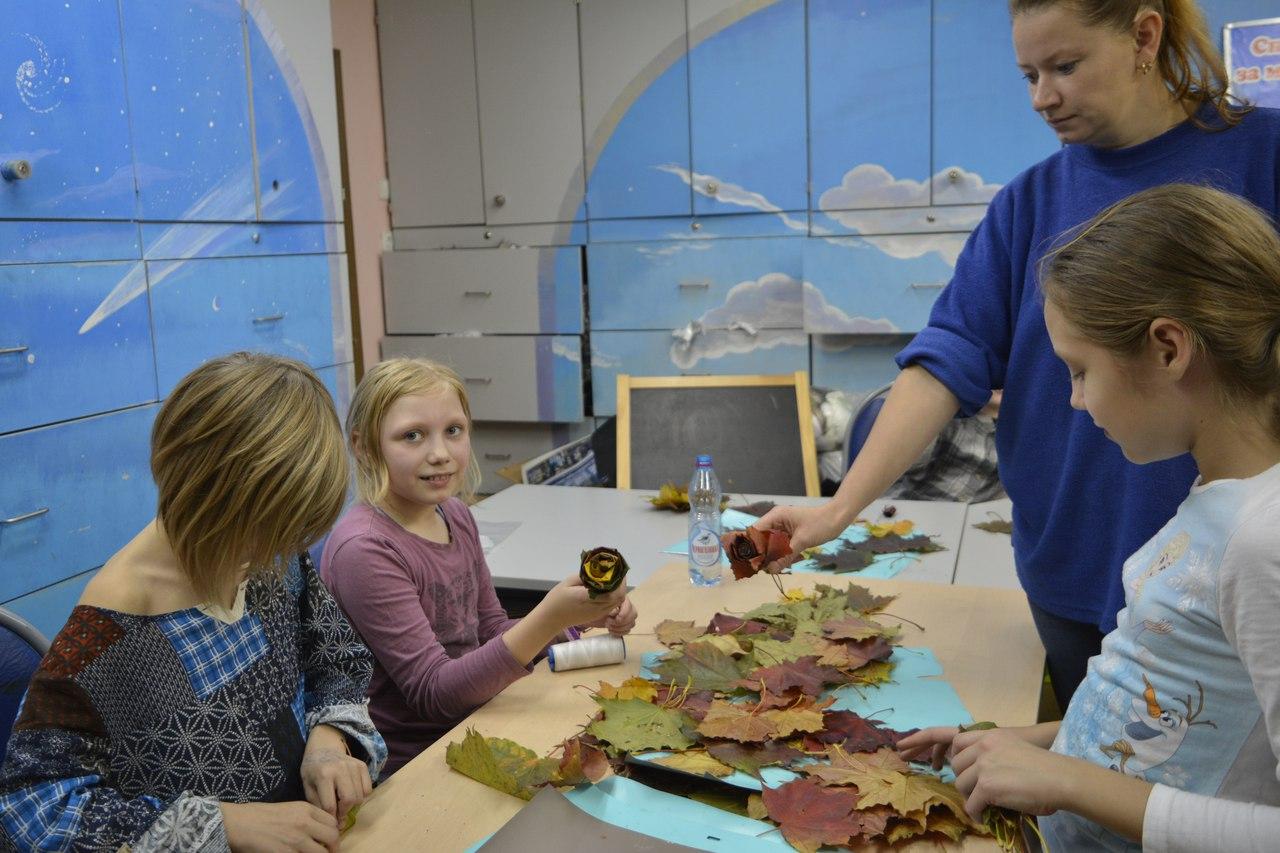 мастер-класс по созданию роз из кленовых листьев
