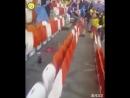 После матча 🇨🇴 — 🇯🇵 Японские болельщики убрали за собой мусор на трибунах