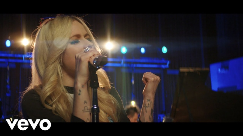 """Avril Lavigne """"Head Above Water"""" (Live from Honda Stage at Henson Recording Studios)"""