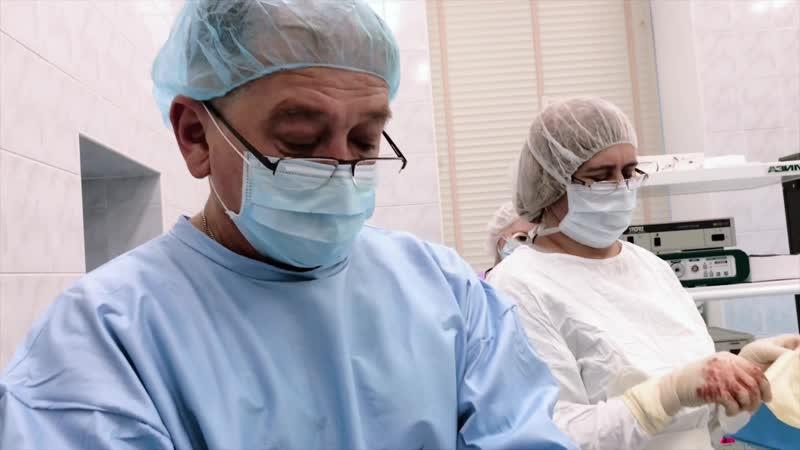 Симультанная операция (18). Абдоминопластика и удаление полипа цервикального канала.