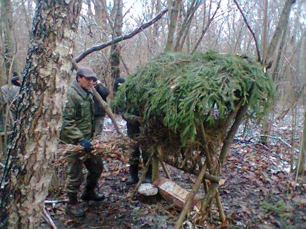 В хмельницькій області полонського району проводились роботи по встановленю кормушок для звірів