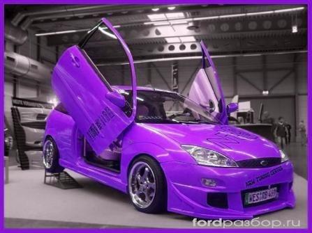 Такфото автомобиля форд фокус. вы можете увидеть фотогалерее