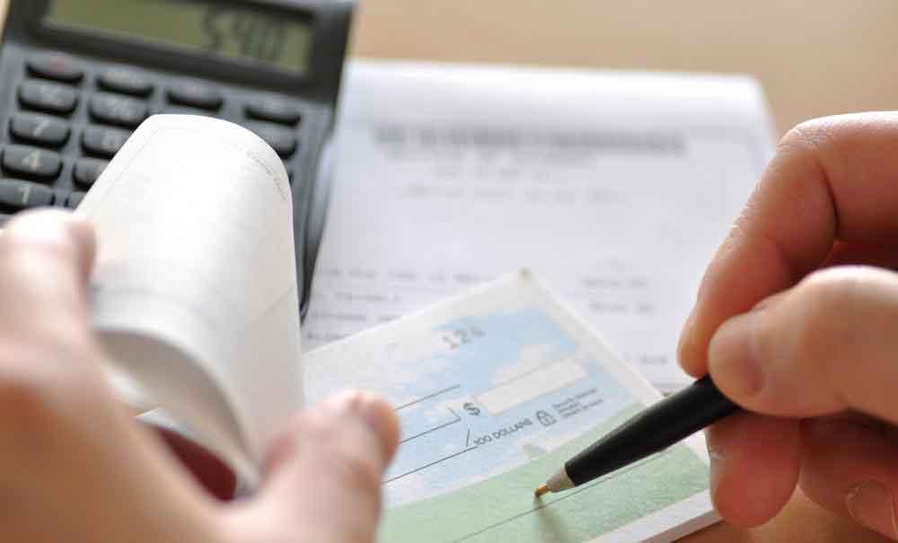 Банковский проект предлагает несколько мер защиты, которых нет в личной проверке.