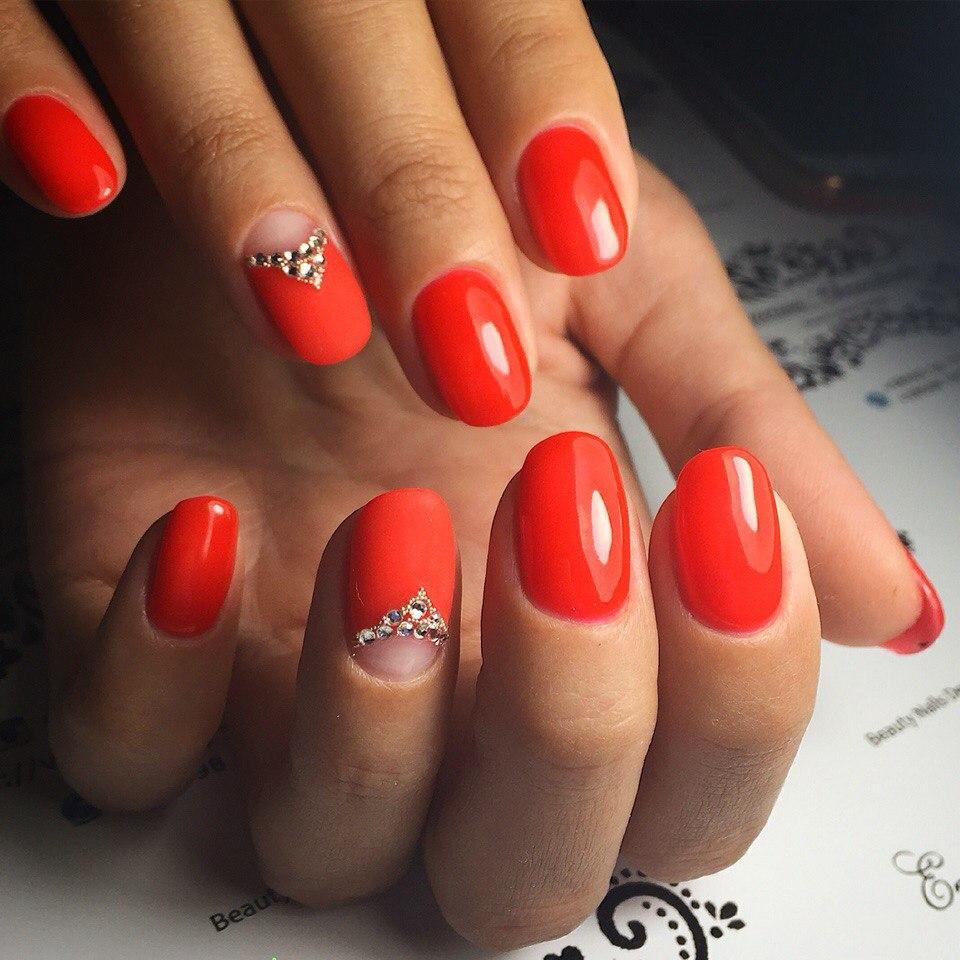 Маникюр с стразами на короткие ногти фото дизайн 2018 гель лак