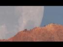 Заход Луны позади вулкана Тейде, остров Тенерифе