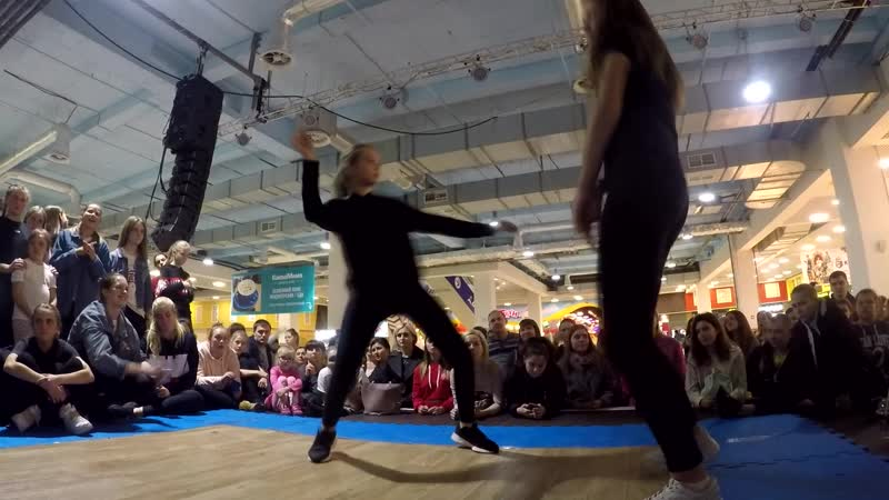 Старцева Софья vs Неизвестно Дэнсхолл 2 круг Kids Battle г Самара 2018