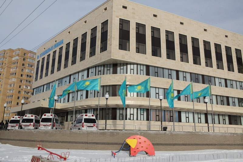 Врачей в Казахстанеобязали писать в рецептах состав лекарств, а не их название.