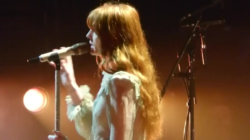 """Florence The Machine - Start Of Show, Band Takes The Stage... _""""June_"""" _u0026 _""""Hunger_"""" LIVE! TD Garden"""