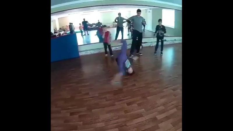 Russian Bgirl Petaira