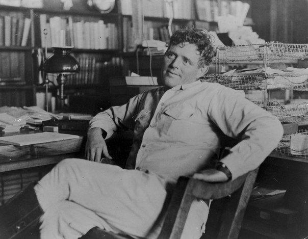 История жизни Джека Лондона. 12 января 1876 года в США родился Джон Гриффит Чейни. Его мать была странной особой она отличалась упрямством, своеволием и увлекалась спиритизмом. От отца бродячего