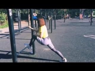 Занятия стретчингом на свежем воздухе от тренера Юлии Аржиловской