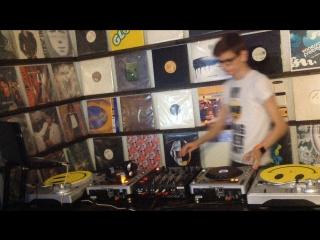 Deep House, Nu Disco w/ DJ VoJo