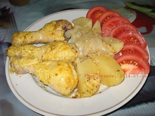 Куриные голени с картошкой в фольге в духовке