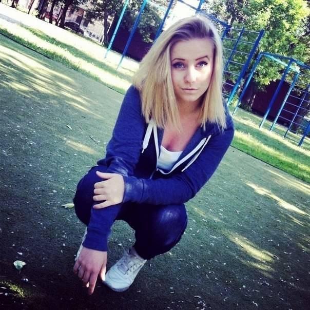 Фото девушки в шортиках в обтяжку 13 фотография