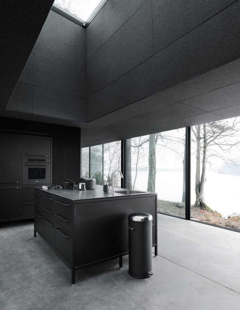 """c rqcTn0 LE - Vipp prefabricated cabins designed as """"battery-charging stations for humans"""""""