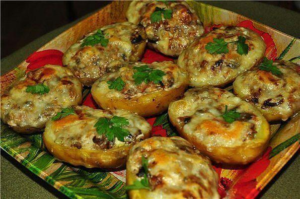 Рецепт фаршированный картофель с фаршем в духовке 9