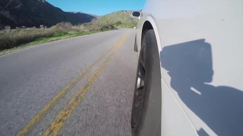 Обзор Dodge Challenger HELLCAT, V8 6.2L, 707 сил! Бернаут, плюсы и минусы — тест (1)