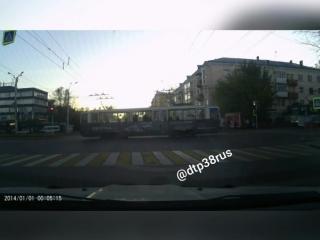 Видео момента ДТП трамвая и автобуса. 25.09.18.