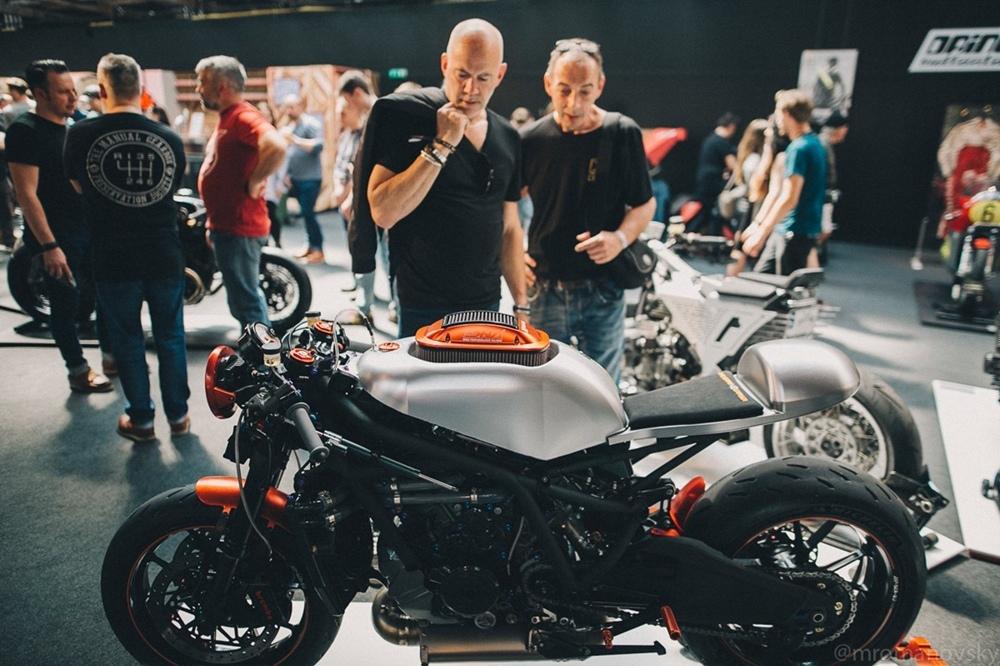 Мик Романовски: фотографии с выставки Bike Shed London 2018