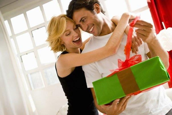 В наше время принято дарить подарки самым разными людям и по самым