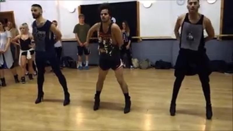 Танцы на лабутенах