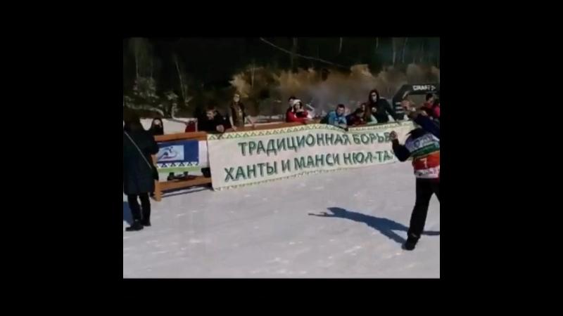 Старт на традиционных охотничьих лыжах