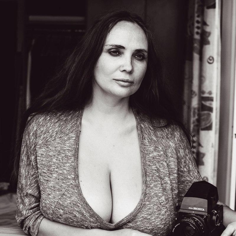 Юная тайка и большой член порно ебля онлайн