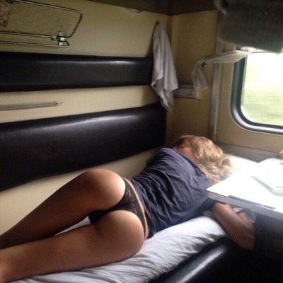 Знакомство в поезде порно ролики россия 14
