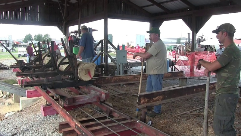 Days Gone By Tractor Show Threshing