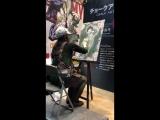 【AJ2018】読売テレビytvブースで、チョークアーティストの河野真弓さんによるライブアート展開中!みるみるうちに桜に囲まれたデクが描かれていきます。