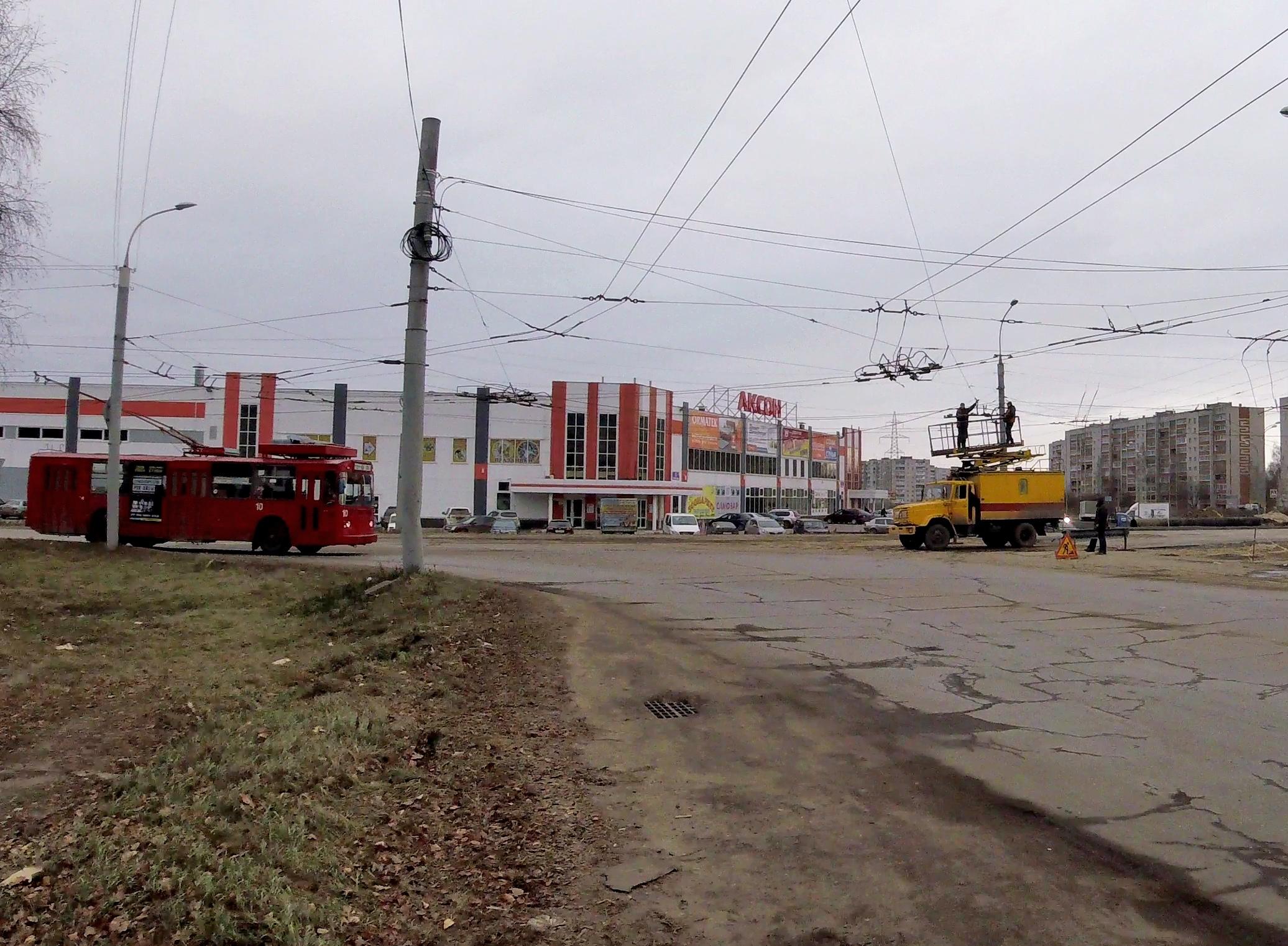 Перекресток улиц Расторгуева и Ворошилова..